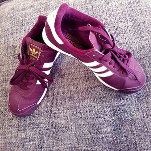 Classic maroon Adidas Samoa sneakers EUC